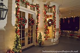 Christmas Decorations For Porch Lights by Victorian Home Lit Up U0026 Decorated For Christmas
