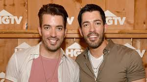 Drew And Jonathan The U0027property Brothers U0027 Aren U0027t Big Fans Of A Tiny House Today Com