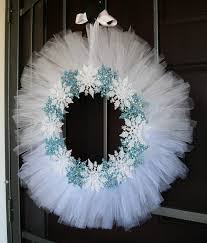 white tulle and snowflake wreath love it i might have to do a