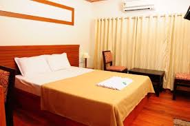 book four bedroom houseboat alleppey hungrytripper