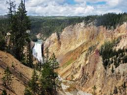 yellowstone family vacation package tour adventures