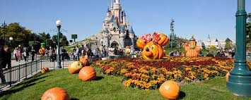 When Do Halloween Decorations Go Up At Disneyland When To Visit Disneyland Paris