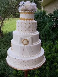 gold accent wedding cake cakecentral com