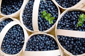 thanksgiving calorie calculator calories in a slice of blueberry pie livestrong com