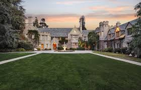 Old Mansions Playboy Mansion Sold But Hugh Hefner Is Staying Photos