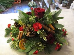 how to make a christmas floral table centerpiece 20 flower arrangements for christmas