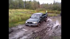 sidekick jeep truck mazda toyota et jeep vitara et sidekick in mud youtube
