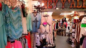 Home Decor Stores In Houston Tx La Chic Old Town Spring Tx Break From The Chains
