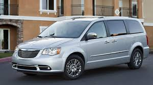 luxury minivan 2013 chrysler town u0026 country limited review autoweek