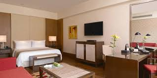luxury rooms and suites at oberoi hotel gurgaon book online luxury rooms at the oberoi gurgaon