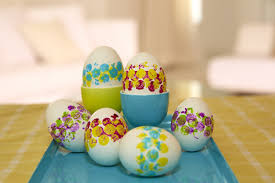 Decorating Easter Eggs With Silk by Eggs Traordinary Decoupage Glitter And More Than 20 Other Egg