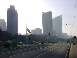 What Does The Philippine Flag Mean File Luneta Philippine Flag Half Mast Jpg Wikimedia Commons