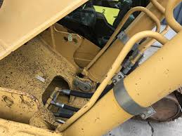 excavator on tracks caterpillar 330d l smitma