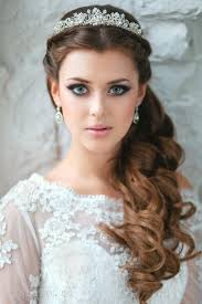 bridal hair for oval faces best 25 wedding hairstyles with crown ideas on pinterest hair
