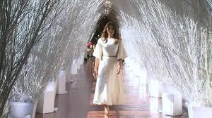 donald trump white house decor first lady melania trump unveils white house christmas decorations