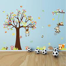 stickers arbre chambre bébé sticker les petits singes jouent sur les arbres stickers nature