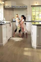 parquet stratifié dans cuisine parquet flottant pour cuisine conceptions de la maison bizoko com