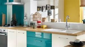 cuisine blanche et bleue charming cuisine blanche mur 17 indogate photo carrelage