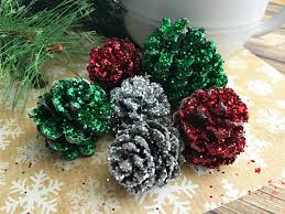 pine cone crafts pinecone decorations diy glitter