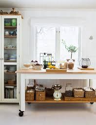 Cottage Kitchen Island 28 Best Rolling Island Images On Pinterest Kitchen Kitchen