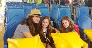 Nitro Six Flags Actress Brooke Shields Celebrates Mother U0027s Day Weekend At Ga The