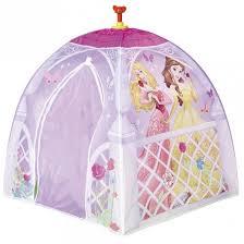 tente de chambre château tente de princesse à installer dans une chambre de fille
