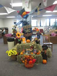 halloween library scarecrow with crows my library displays