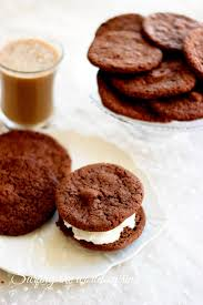 chewy chocolate cookies for ice cream sandwiches šokoladiniai