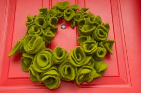 how to recycled wool felt wreath