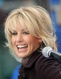 how to cut your own hair like suzanne somers faith hill hairstyles with bangs faith hill performing her