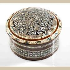 pearl necklace boxes images Round mother of pearl jewelry box jpg