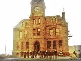 Bureau De Poste 7 - file inauguration du bureau de poste de chicoutimi en 1905 jpg