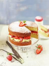 strawberry u0026 cream sandwich sponge jamie oliver