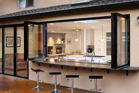 cuisine d ext駻ieure cuisine d intérieur astucieusement transformée en cuisine ouverte d