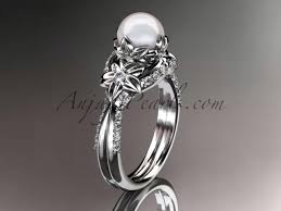 Engagement Ring Vs Wedding Ring by Engagement Ring Vs Wedding Ring Pics Totally Awesome Wedding Ideas