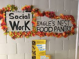 eagle s nest pantry sets a thanksgiving table for students