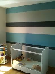 comment peindre une chambre de garcon peinture chambre bande verticale murale fond papier peint enfant