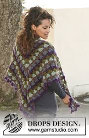 drops design poncho free knitting patterns and crochet patterns by drops design