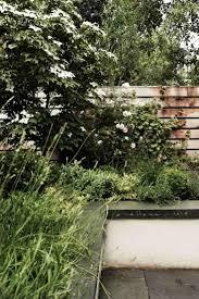 amenagement jardin moderne les 25 meilleures idées de la catégorie parterres de jardin