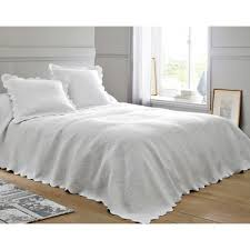 jeté de canapé blanc couvre lits jetés de lit large choix de couvre lits jetés de