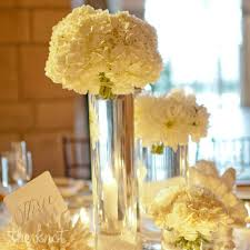 White Roses Centerpieces by Best 25 Tall Cylinder Vases Ideas On Pinterest Tall Flower