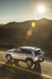 suv jeep cherokee jeep cherokee updated for 2018 with new safety tech and more