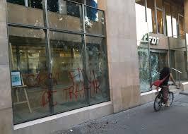 siege le parisien le siège de la cfdt dégradé par des manifestants la croix