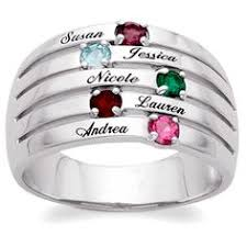 rings for mothers day s ring with 3 diamonds representing three daughters with