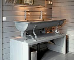 bassine pour bain de si e un abreuvoir de ferme 20 meubles sous vasque récup pour la salle