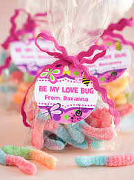 kids valentines gifts 4 easy kid ideas gift favor ideas from evermine
