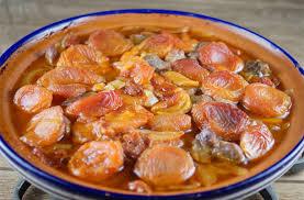 cuisine du lapin recette du lapin aux abricots tajine sucré salé recette com
