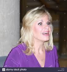 info about the anchirs hair on fox news fox news anchor gretchen carlson signs copies of her book getting