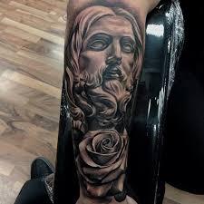 portal tattoo tatuagem religiosa feita por fred flores