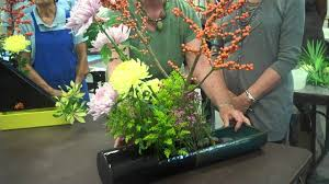 Flower Arranging For Beginners Sogetsu Ikebana Flower Arrangement Youtube